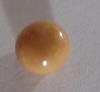 1.8 carat Conch Pearl Cream Button