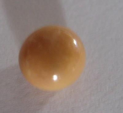 1.8 carat Conch Pearl Cream Button