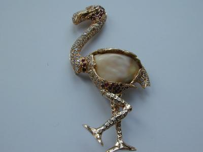18kt Rose Gold Flamingo Conch Pearl Pin