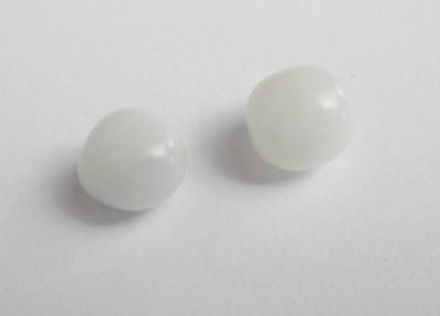 2 Clam Pearls 3+ carats - for Sale