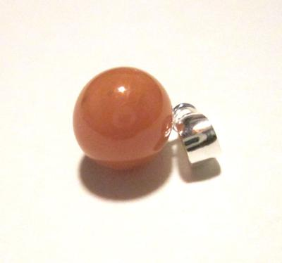 3.10 carats Conch Pearl Necklace Cinnamon Colored on Sterling Silver