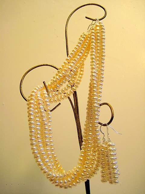 6 strands white pearls