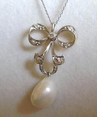 Saltwater natural Pearl Necklace