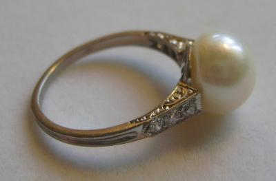 4.97 carats Freshwater Pearl Platinum Diamond Ring