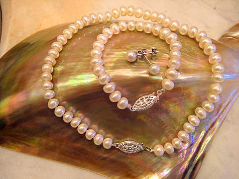 Baby pearl set