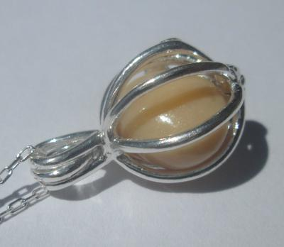 Beige Conch Pearl Sterling Silver Necklace 4.5 carats