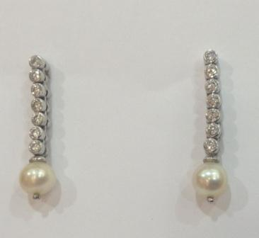Earrings with Natural Pearl and Diamonds