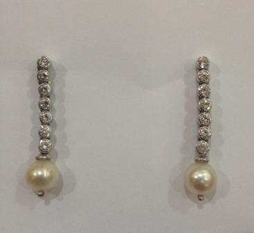Earrings with Natural Pearl and Diamonds 0.56 carat