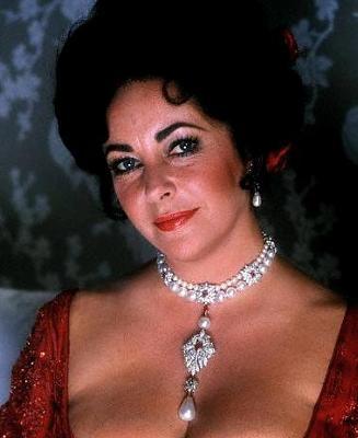 Ellizabeth Taylor wearing Famous La Peregrina Pearl