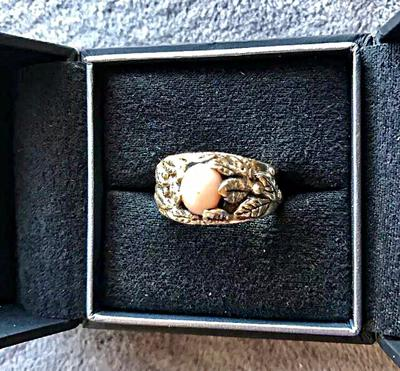 Handmade conch men's ring with leaf engravings