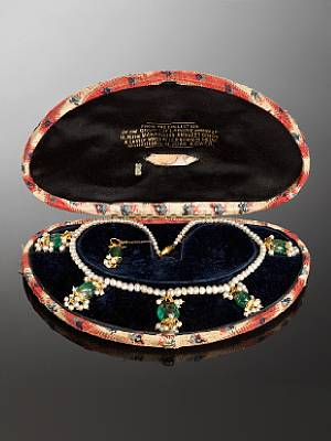 19th Century Pearl & Emerald Necklace
