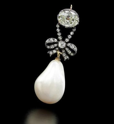 Queen Marie Antoinette's pearl pendantSotheby's