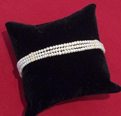 Natural Pearl Bracelet with Diamond Dividers
