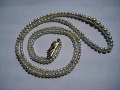 Natural pearl necklace from Persian Gulf