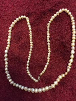 Natural Pearl Neclace Button & Semi-Baroque 252 Carats