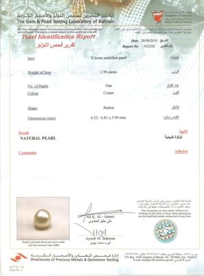 Natural pearl pendant with Diamonds Certificate