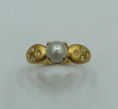 Natural Pearl Ring 2 carat Basra Pearl 18K Gold