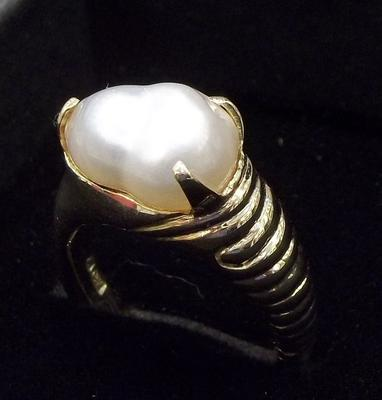 Natural Persian Gulf Pearl Ring