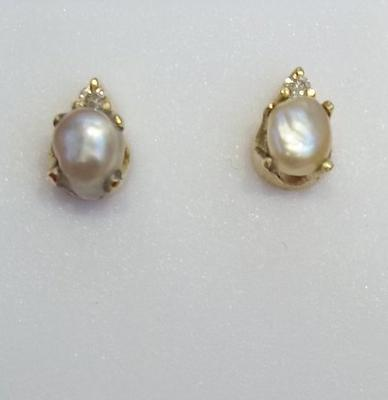 Saltwater Natural Basra Pearl Earrings