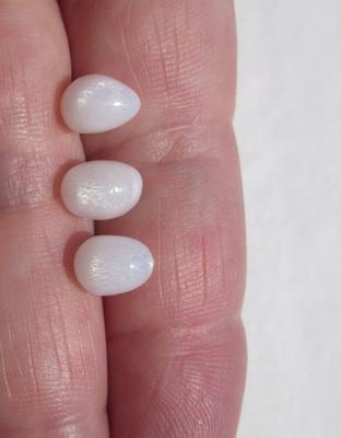 Set of 3 Clam Pearls Oval Full Flame 7+ carats Total
