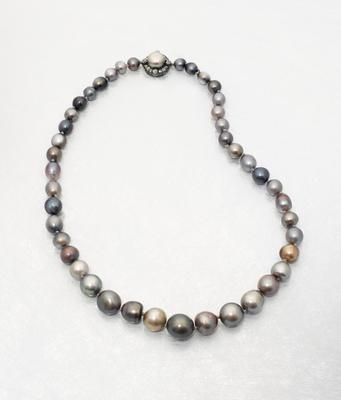 Royal Spanish Pearl Necklace