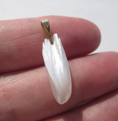 USA Natural Freshwater Spike Pearl Pendant 24mm 4+ carats