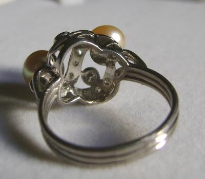 Vintage 1940s Natural Pearl Platinum Ring with Diamonds