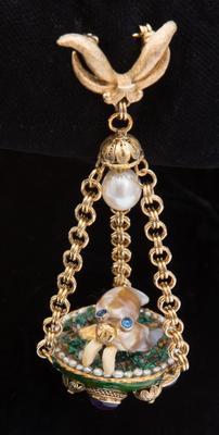 Walrus Pearl Jewel by Lyn Punkarii