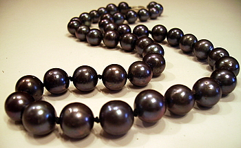 9mm Freshwater Black Pearl Necklace