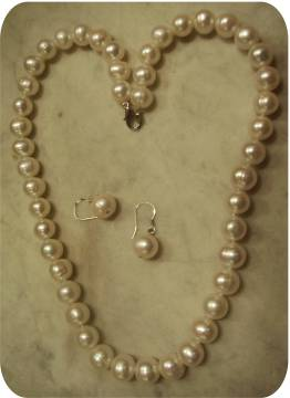 classic white freshwater pearls 9-10mm
