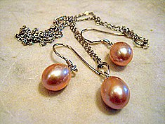 Lavender Pearl Drop Set
