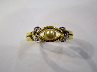 Natural Basra Pearl Ring 4mm with Diamonds 18k Gold
