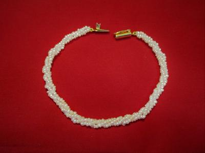 Natural Basra Seed Pearls Bracelet 18k Gold Clasp