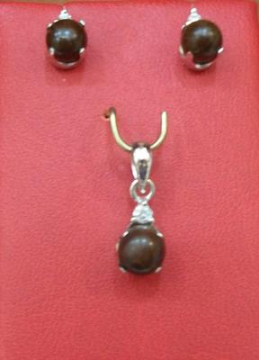 Natural Black Pearl Pendant & Earring Set