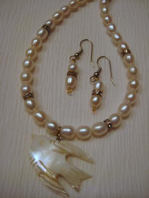 Pearly Dove Necklace